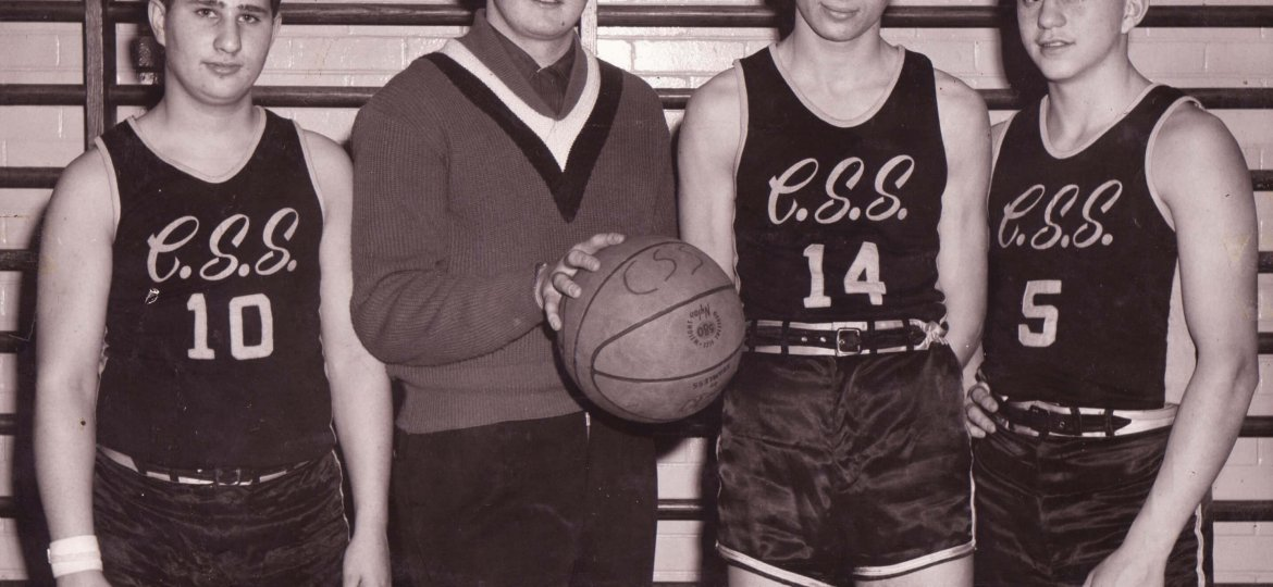 Sports_-_Pictures_-_Basketball_-_1960s.x.x._-_Clark_Street_Sun_Jerseys_Earl__Izzy_and_two_others.jpg